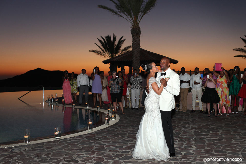 female cabo wedding photographer